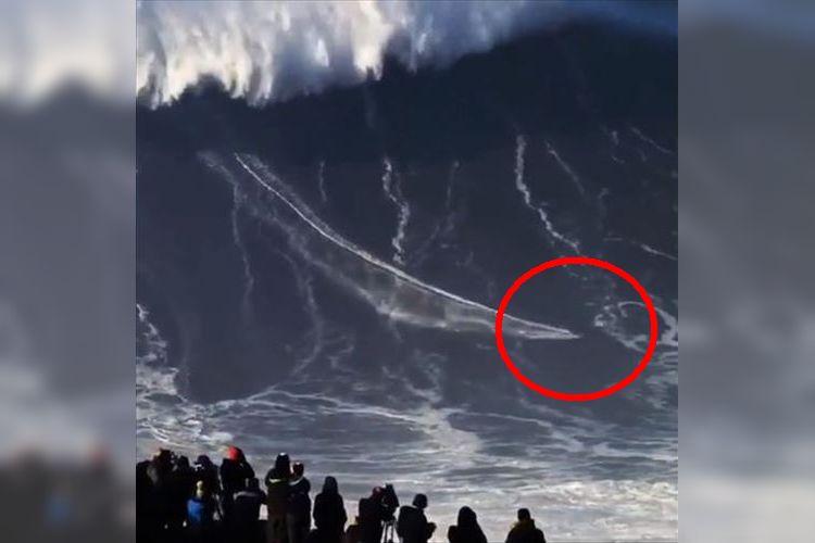 波の高さ24.38メートル!世界一巨大な波に乗るブラジル人サーファーが凄すぎ!