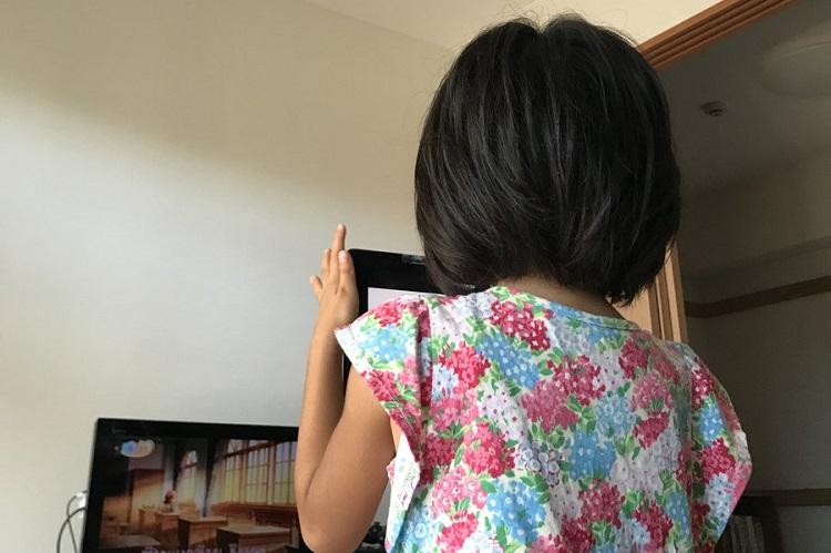 この現象、身に覚えが…iPadを使った子どもの録画方法がなぜか懐かしいと話題!