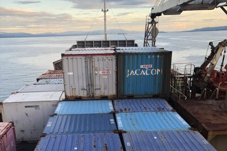 「密航かと思った」「冒険者感味わえそう」屋久島に行くために貨物船に乗ったらガチの貨物船だった