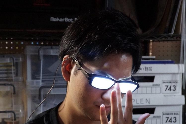 アニメのワンシーンを実現しちゃった!自作の「企んでる時のメガネ」に爆笑