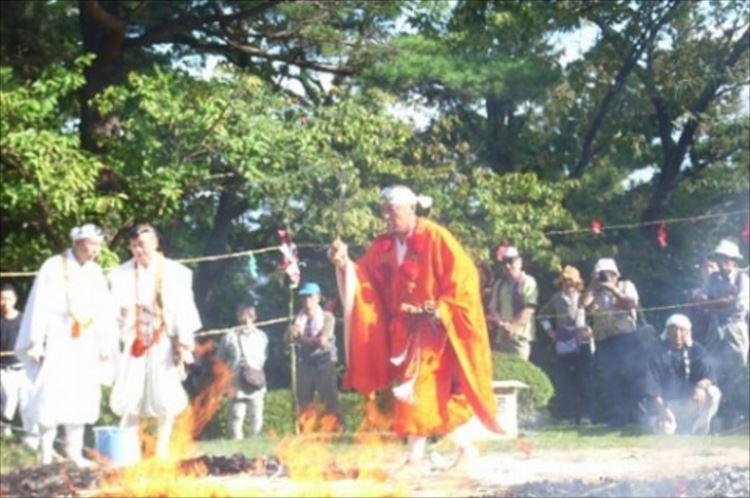 【やらかしちゃった人に朗報】ネット上で炎上してしまった出来事を、国上寺の住職が供養してくれるぞ…(笑)