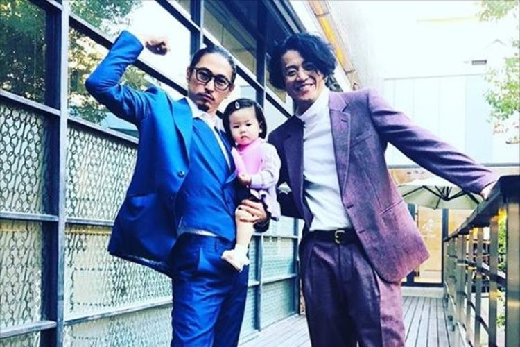窪塚洋介が小栗旬との写真を公開!ファンはドラマ「GTO」生徒役での共演を懐かしむ