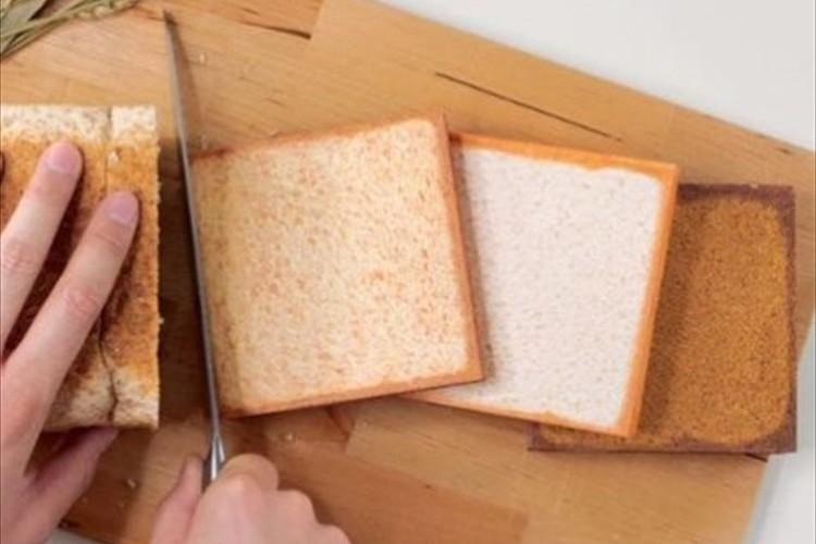 見た目は美味しそうな食パンに見えるけれども…まさかのアレだった