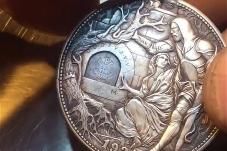 騎士の剣を突き立てると聖杯が登場!?驚きのギミックが施されたコインに反響!