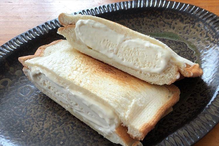 アツアツのパンと冷たいアイスの融合が最高!雪見だいふくを挟んだホットサンドが話題に