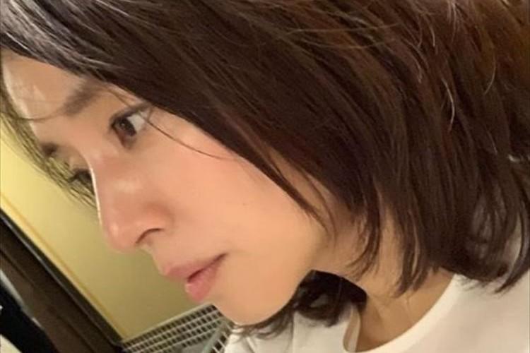 """撮影で大忙しの石田ゆり子…""""放心状態""""と言いつつも、その横顔に反響「女神降臨来たー!」「絵になる横顔」"""