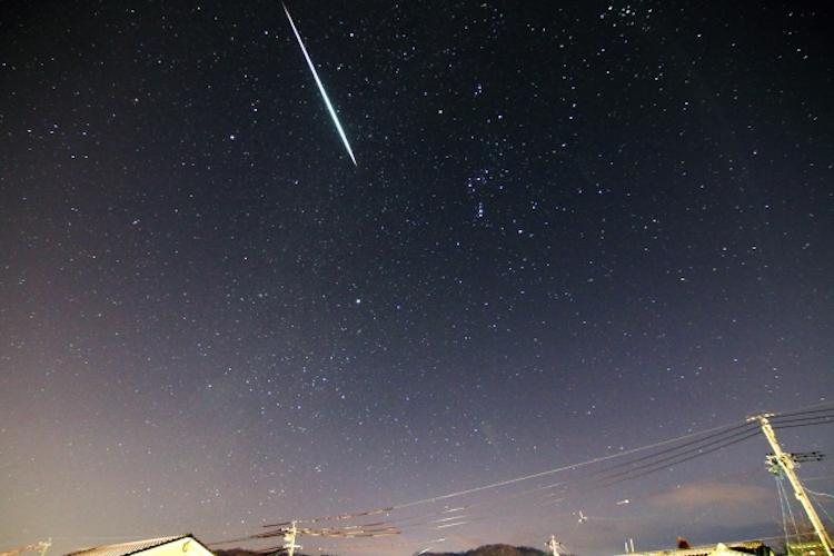 三大流星群の一つ「ふたご座流星群」が、今年は12月14日21時頃に極大を迎えるよ!