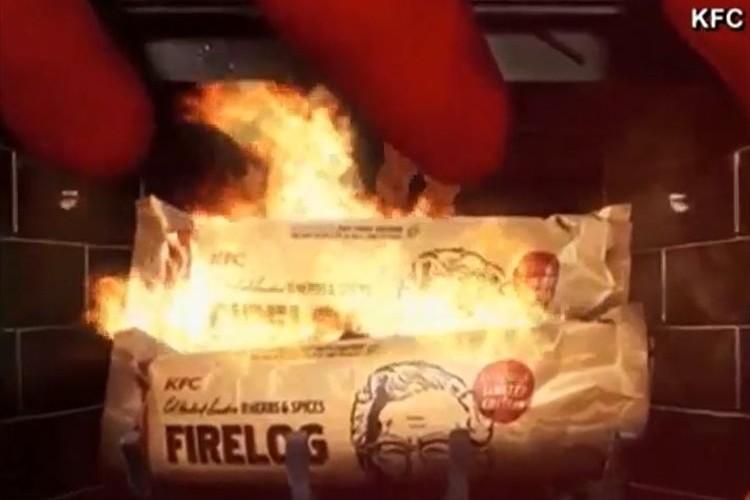 """ケンタッキーが""""フライドチキンの香りがする暖炉用の薪""""を販売…思わずフライドチキンが食べたくなる!?"""