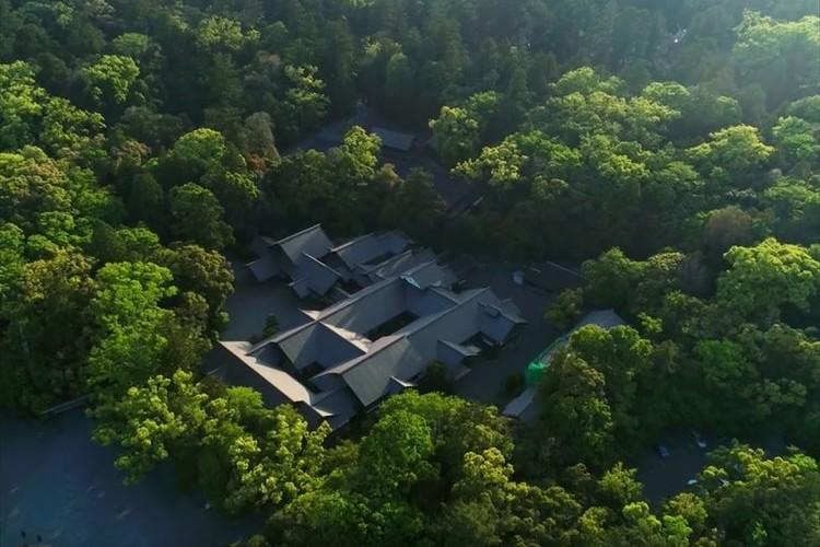 伊勢神宮の凜とした空気を感じる美しき4K映像が公開!ドローンも駆使し荘厳美麗な光景が満載