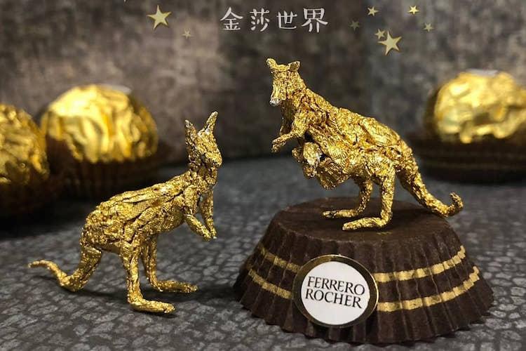 香港のアーティストが作る、チョコレートの包み紙を使ったアート作品が凄すぎ!