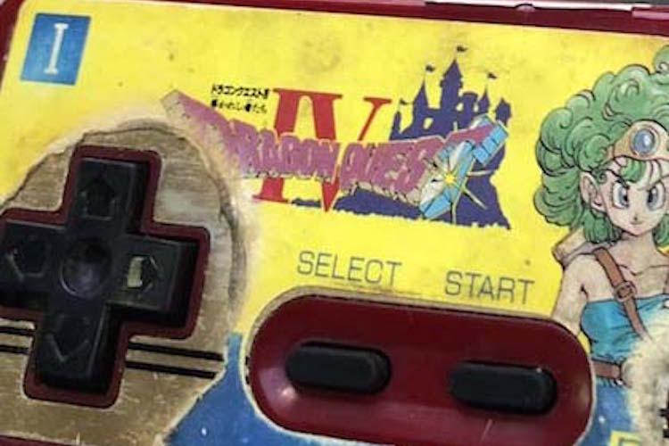 30年ぶりにレトロゲーム専門店で再会!間違いない、ボクの家にあったファミコンのだ
