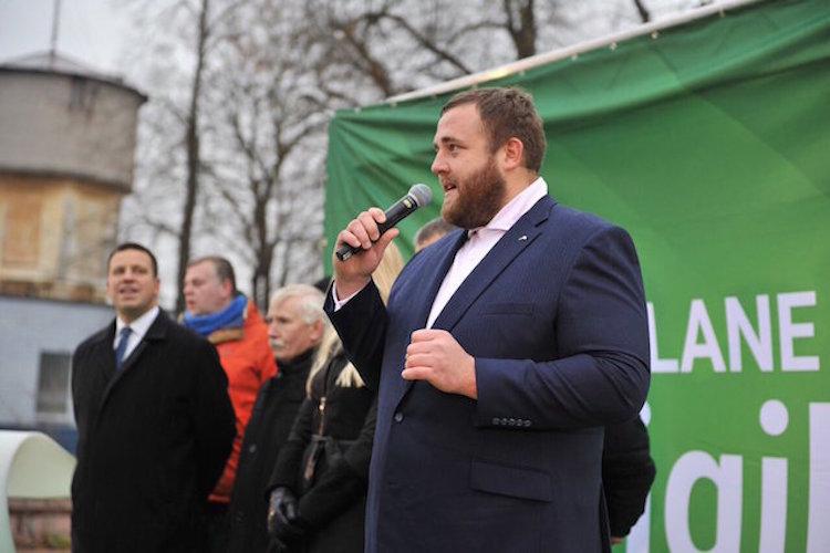 当選おめでとう!元大関の把瑠都さんが、母国エストニアで国会議員に!