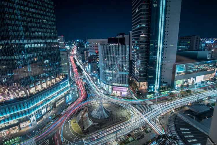 完全にSF映画の世界!名古屋駅周辺の夜景がまるで光り輝く近未来都市のようだと話題に