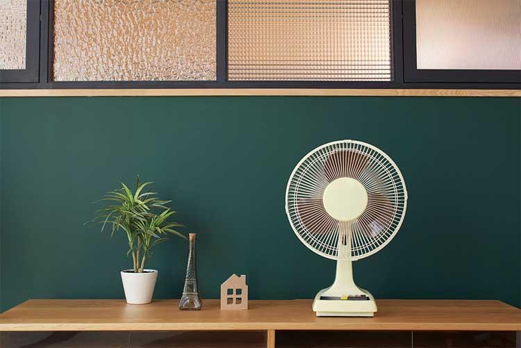 """古き良き""""1970年代""""の雰囲気を再現!アメリカン・レトロデザインの扇風機が復刻販売"""