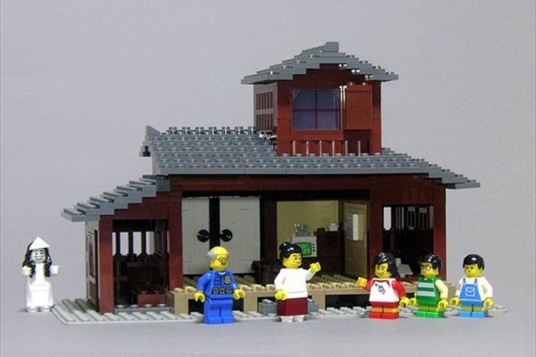 レゴで作った「8時だョ!全員集合 」のセットが話題に!金ダライも落とせる(笑)