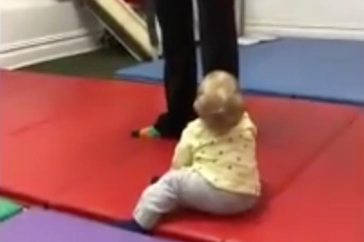 この気持ちいい音は何?初めてバイオリンの音色を聴いた赤ちゃんの反応がめちゃかわいい!