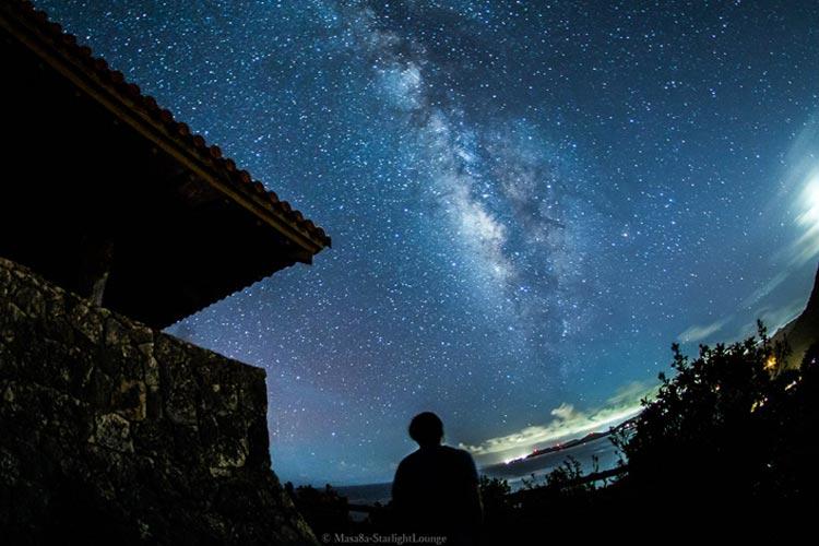 東京から飛行機で3時間!「行きたい」の声多数!石垣島の夜空は星々と天の川で満たされていた