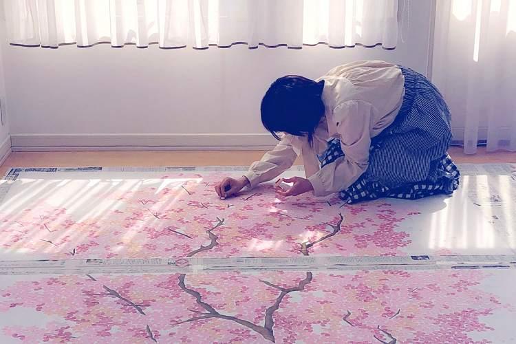 圧巻の美しさ…『消しゴムはんこ』で制作された桜の大樹に思わず息をのむ