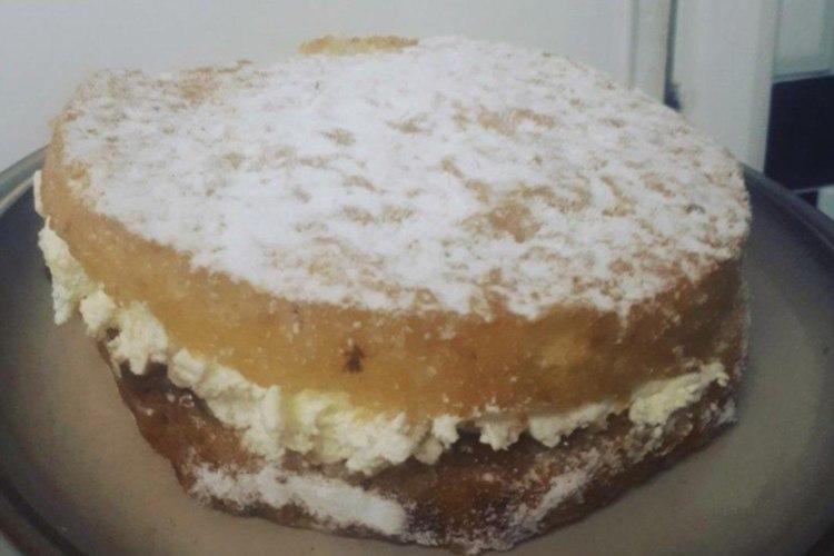 父親が息子のために不慣れなバースデーケーキ作りに挑戦。その理由に感動の声が集まる