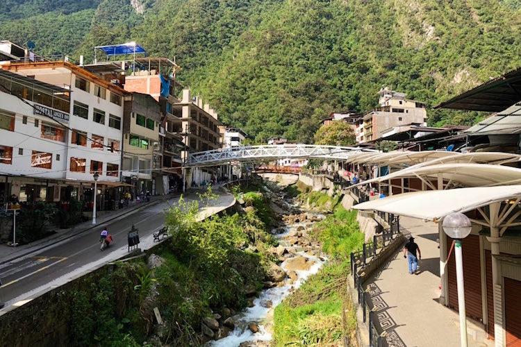 どこかで見たことある景色だ...!マチュピチュの風景が「日本の温泉街」にしか見えなくてビックリ!
