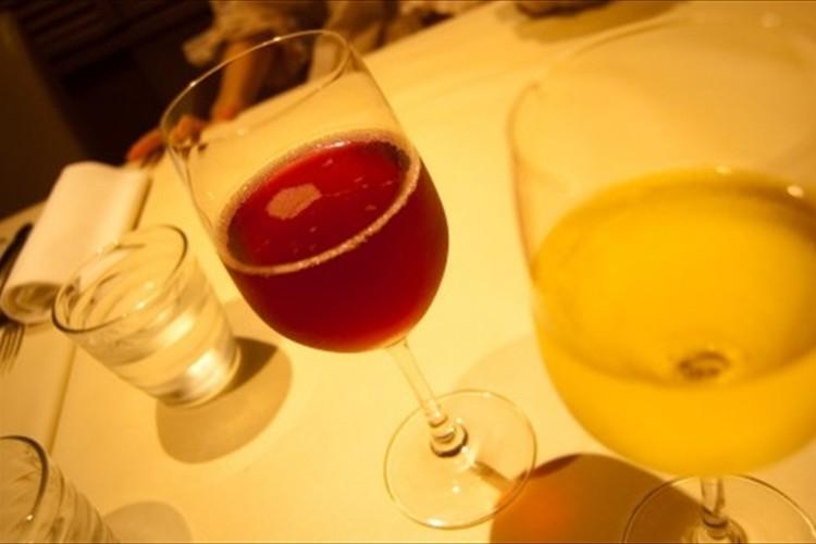 間違えて63万円の高級ワインを客に出してしまうハプニングが発生するも、お店のその後の対応に称賛の声