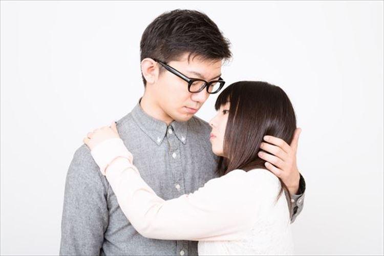 頭にキス!その行動の意味とは!?キスする場所で男の心理がわかる!