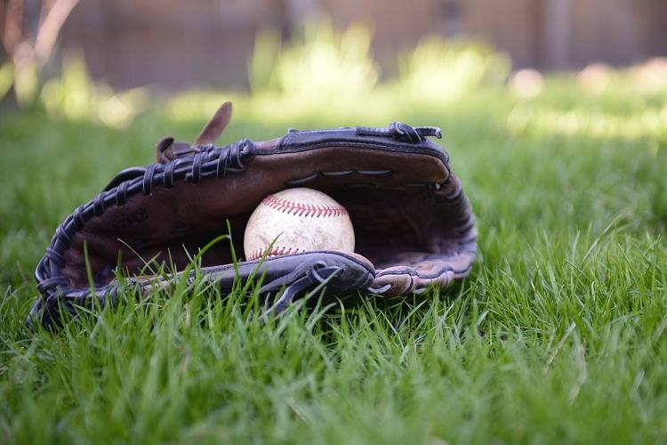 野球の発祥はいつどこで?いくつかある説を解説!野球の起源とされるマイナースポーツも紹介!