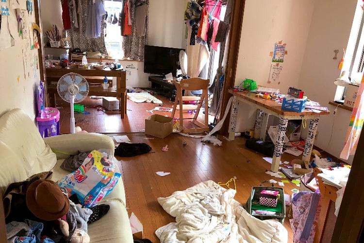 「パパ頑張ったね!」荒れた部屋に驚愕!しかし、よーく見てみるとパパの頑張りにほっこり