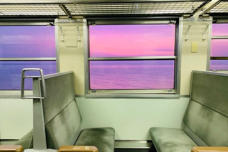 【絶景】これはグッとくる!JR五能線の車窓風景が哀愁漂いまくりと話題!