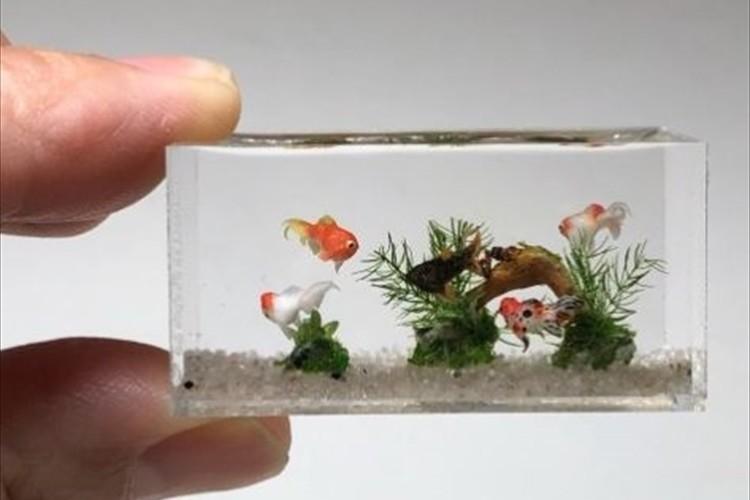 金魚たちがまるで生きているよう…リアルを追求したミニチュアアクアリュウムが凄い!