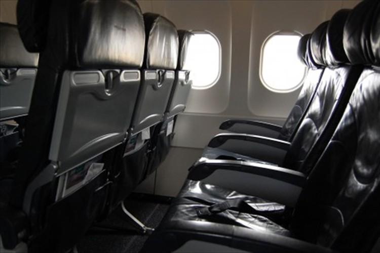父親に会うために、自閉症の7歳の男の子が飛行機で一人旅…母親の心配をよそに意外な展開へ!?
