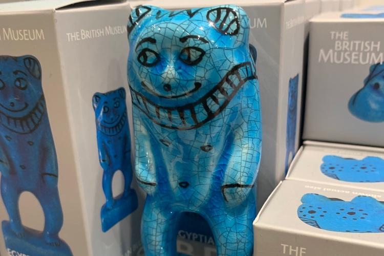 「変なのでいいよ」と言われ買った大英博物館のお土産、実は人気のアイテムだった(笑)
