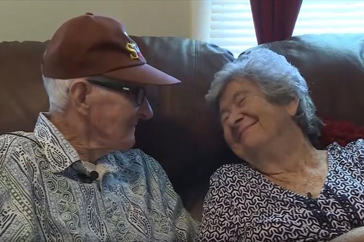 長年連れ添った夫婦が同じ日に天国へ・・生前の動画から伝わる愛と絆に胸がつまる