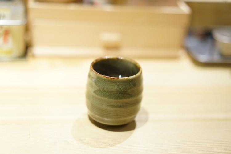 寿司屋でお茶を「あがり」という理由は?寿司屋で使われる隠語は江戸時代の背景が関係していた