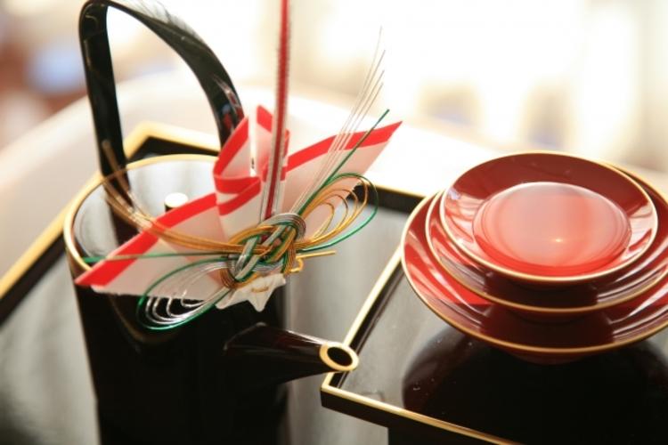 正月に飲むお屠蘇(おとそ)の意味や語源の由来は何?