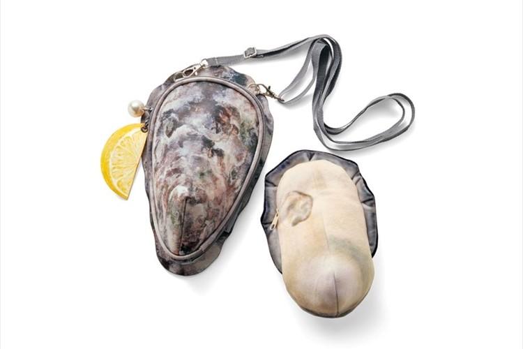 牡蠣の殻をモチーフにしたショルダーバッグがリアルすぎる!ぷりっぷりの牡蠣の身ポーチ入り