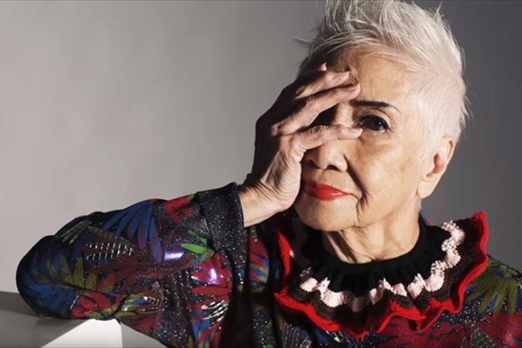 年齢を感じさせない肌と姿勢・・輝きを放つ96歳のファッションモデルが話題に!