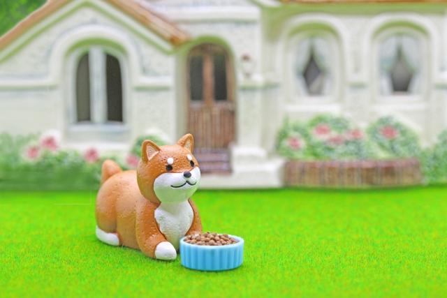 可愛い犬の人形