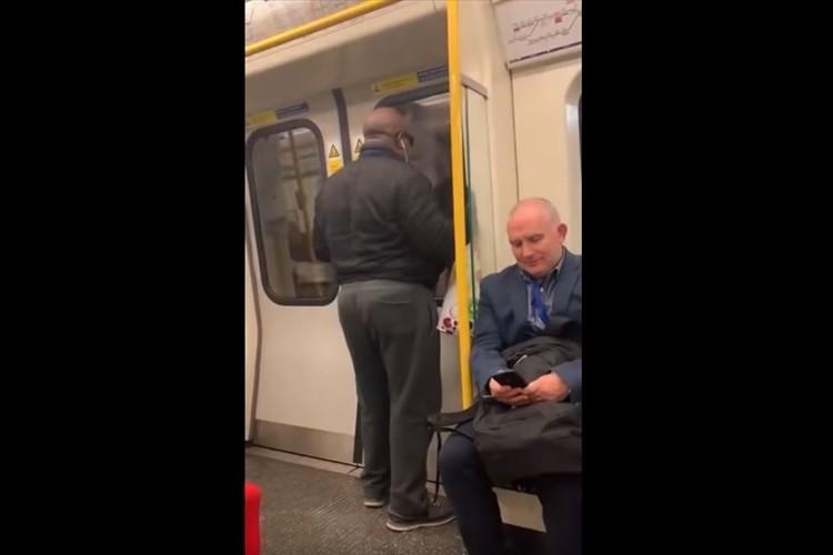 サビは歌わないの!?地下鉄でボン・ジョヴィの名曲を大声で歌う男性が面白すぎると話題に