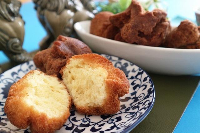 沖縄の揚げ菓子「サーターアンダギー」の気になるカロリーは?その不思議な名前の由来も紹介