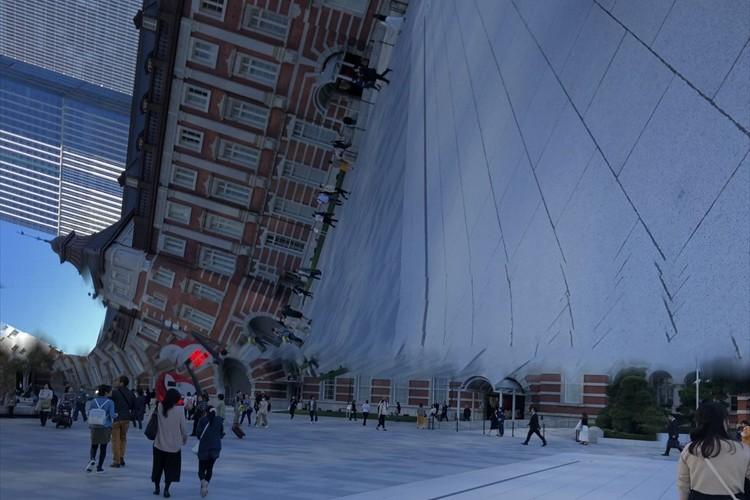 ある意味芸術的に凄い・・パノラマ撮影に失敗して撮れた「時空が歪んだ東京駅」が話題に!