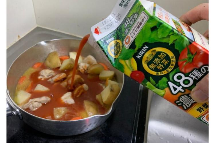 水の代わりに野菜ジュースを入れるだけでめっちゃ美味しいカレーに!簡単に試せるレシピが話題!