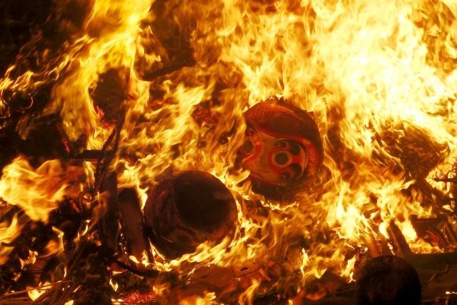 どんど焼きの炎