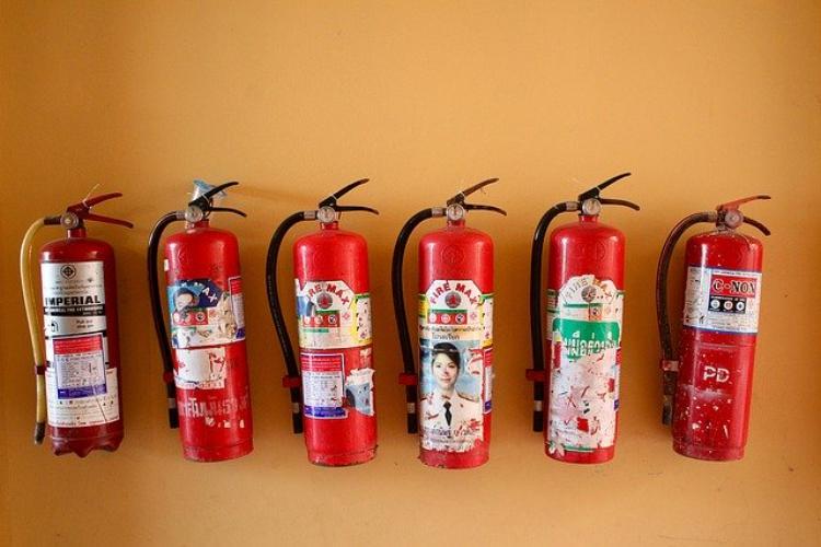 1月19日は家庭消火器点検の日!消火器は万が一の時使える状態になっていますか?