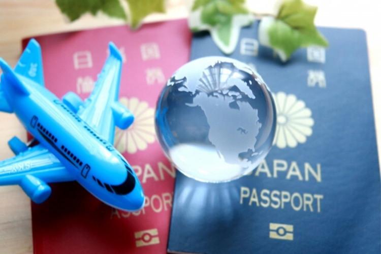 【豆知識】海外に行く際の必須アイテム「パスポート」、実は全5色あるって知ってた?