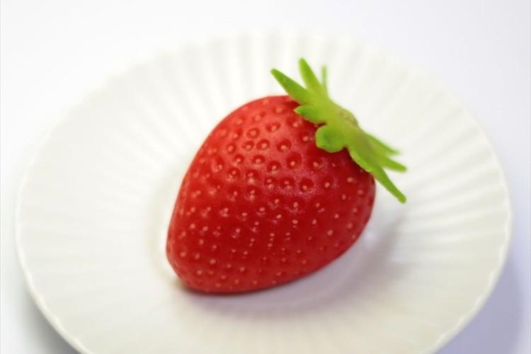 本物のイチゴかと思ったら中身を見てビックリ!『練り切り』で作られた和菓子が話題に
