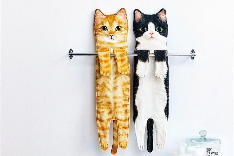 ぶら~んと長く伸びた猫を再現!『こんなに伸びるの!?なが~い猫タオル』が可愛らしい
