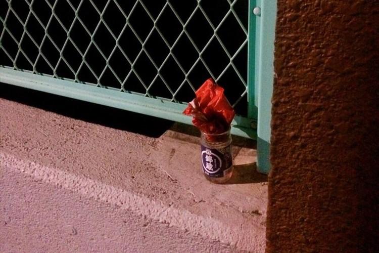 路上のワンカップに花が生けてあったので「蒲田もまだまだ捨てたものではないな」と思いきや・・