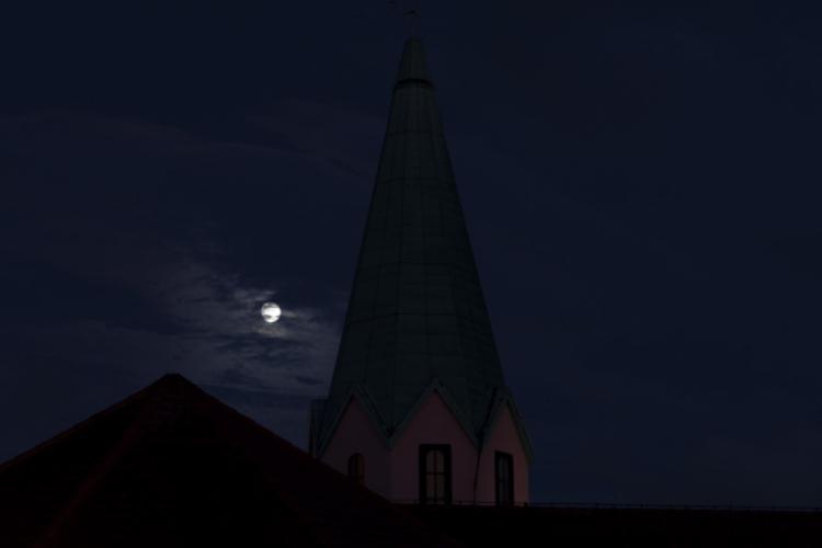 朧月とはどんな月?実は季節が限定される言葉だった!