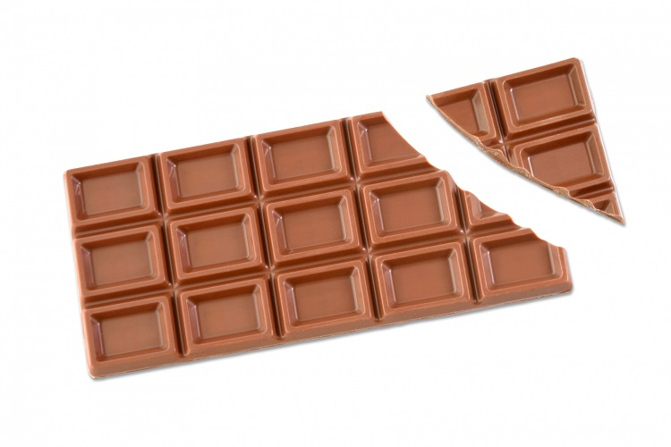 板チョコの溝は割れやすくするためではなかった!?実は製造の都合で入っていました